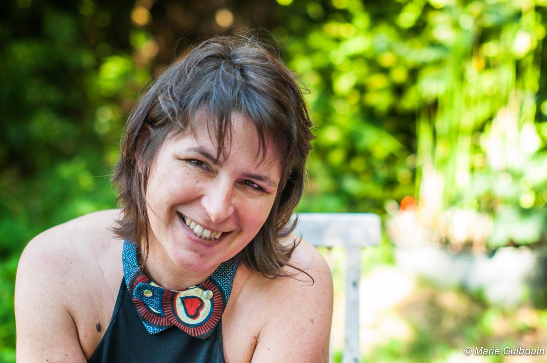 Isabelle Baudelet tisse des liens entre écriture et tissu …